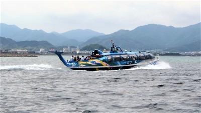 青海島観光船シータス.jpg