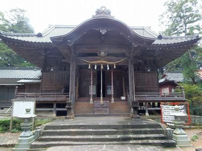飯山八幡宮拝殿1.jpg