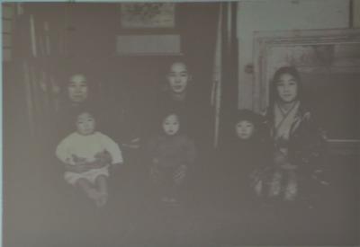 香月泰男家族.jpg