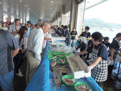 鮮魚コーナー.jpg