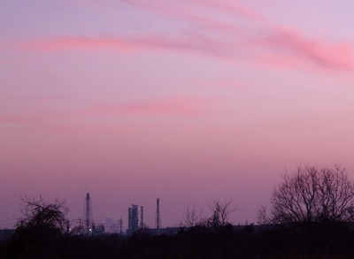 1月の茜雲と西部石油4.1.23.jpg