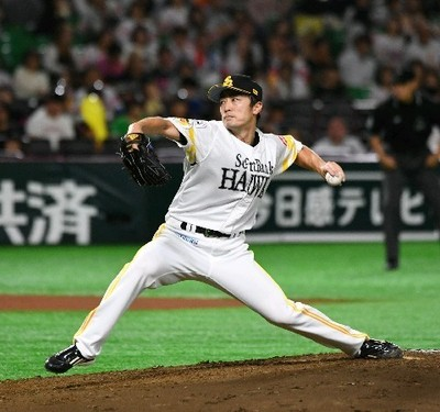 7回から2番手で登板し、2回を無安打に抑えた和田.jpg